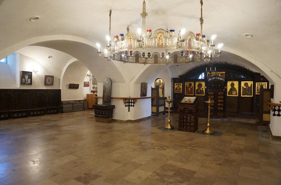 Возрожденный храм Свято-Тихоновского монастыря