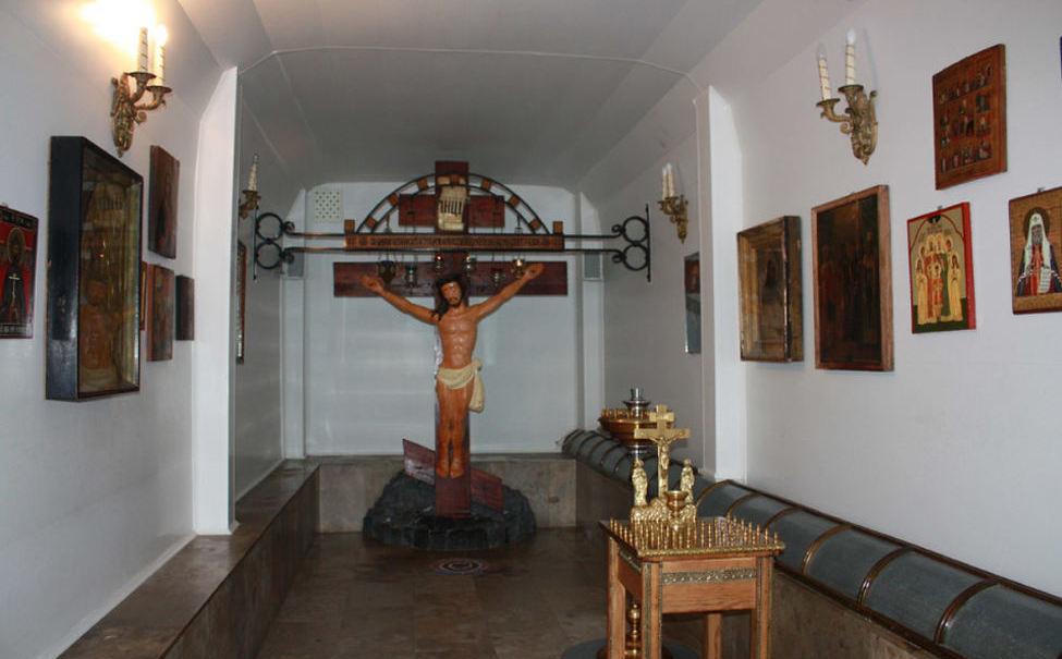 Кровоточивое Распятие в Свято-Тихоновском Преображенском монастыре в Липецкой области